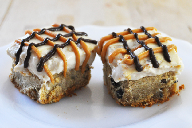 Cheescake Cookie Bars